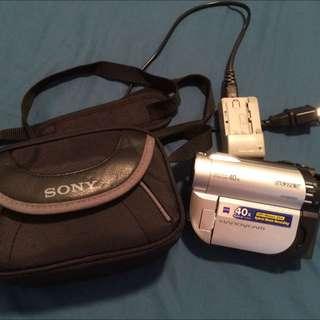 SONY DCR-DVD110E DVD Handycam with X40 Zoom Video Camera