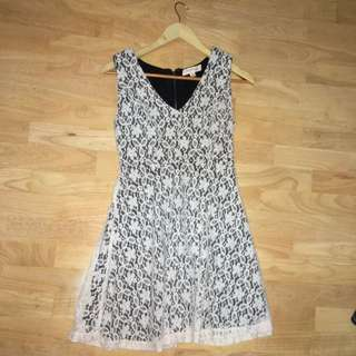 V Cut Black And White Lace Dress Size 8