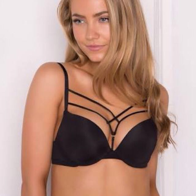 Caged Front Detail Push Up Bra