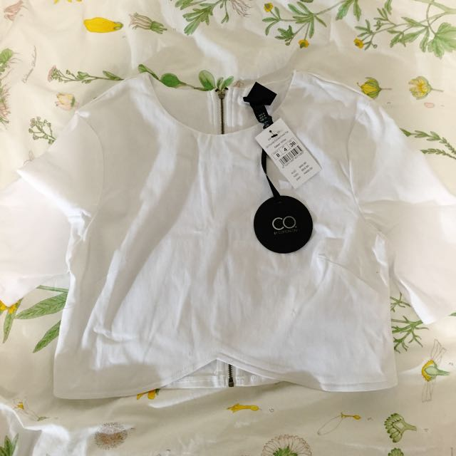 Cropped Cotton on White Top
