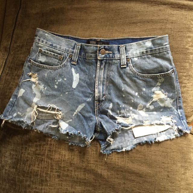 Lee distressed shorts