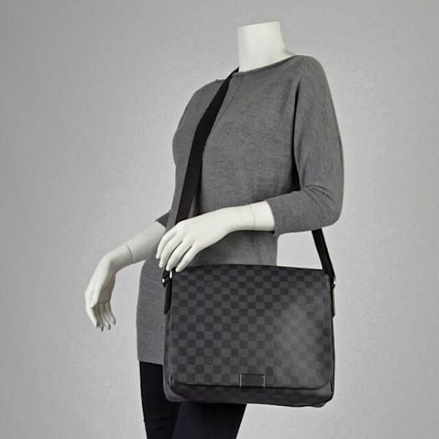 faee8453117b Louis Vuitton Damier Graphite District MM Lv