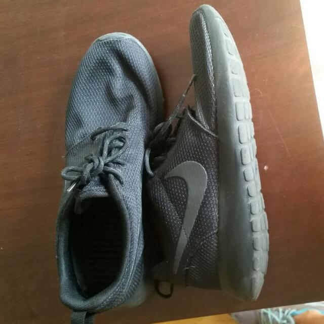 Nike Roshe One Anthracite  Runners Size 8.5