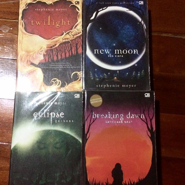 Twilight Series Bundle - SUPER CHEAP