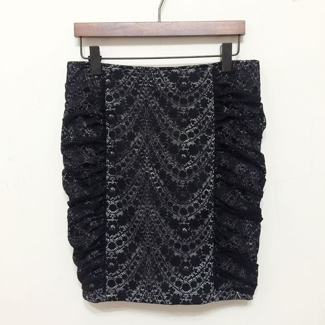 Zara副牌 stradivarius 雙層蕾絲抓摺窄裙