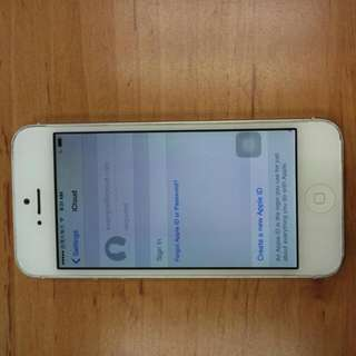 Iphone 5 32G (面交不寄送 By Face To Face Battery changed half year ago )