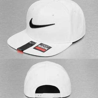 急售!全新正版nike 帽子