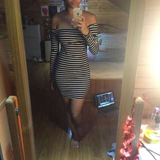 Size 8 Stripped Bodycon Off Shoulder Dress