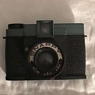 Snappy Toy Camera (like Holga/Diana/lomography Cameras)