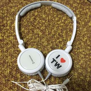 ᴮᴿᴵᴳᴴᵀ  攜帶型變換飾片耳機