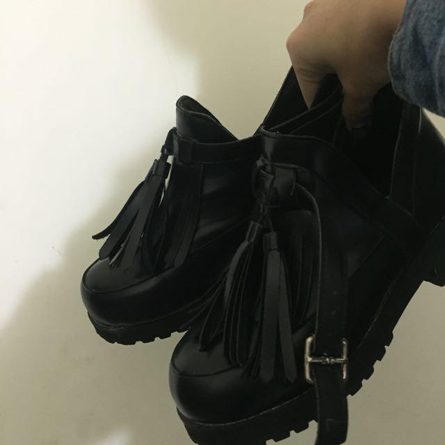 🔺正韓流蘇簍空牛津靴 24cm(38)