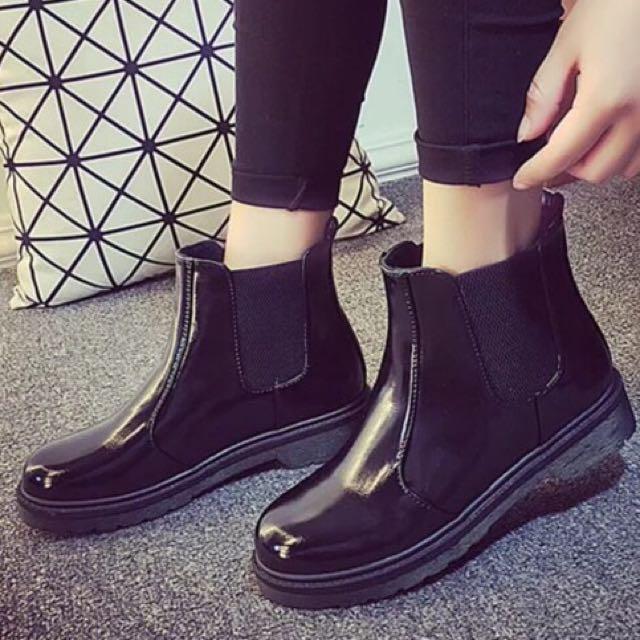 英倫風漆皮短靴