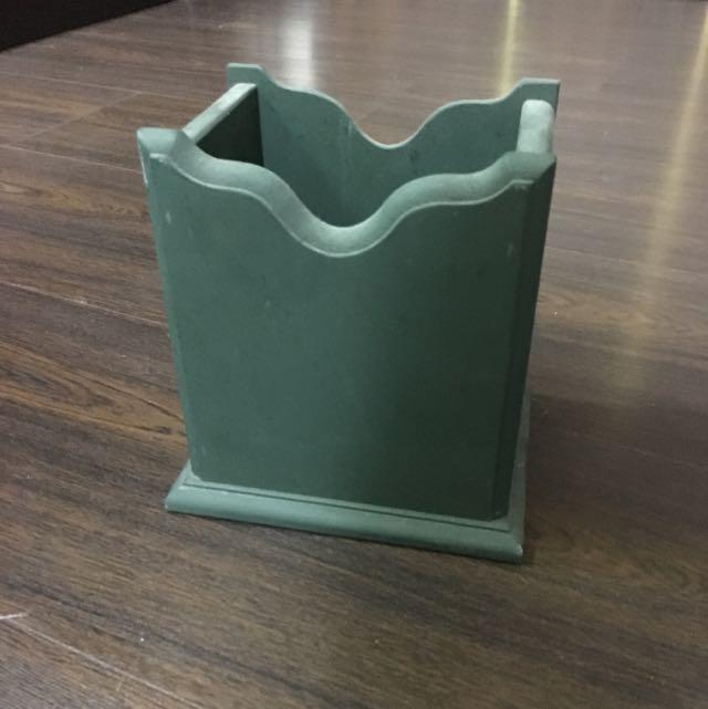 綠綠的木頭筆筒