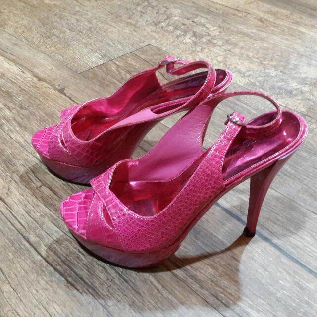 桃紅色亮面鱷魚皮紋高跟鞋 (編號68)