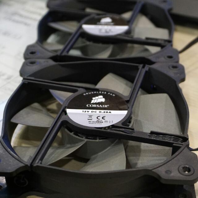 海盜船 CORSAIR電腦散熱風扇,12CM  4pin