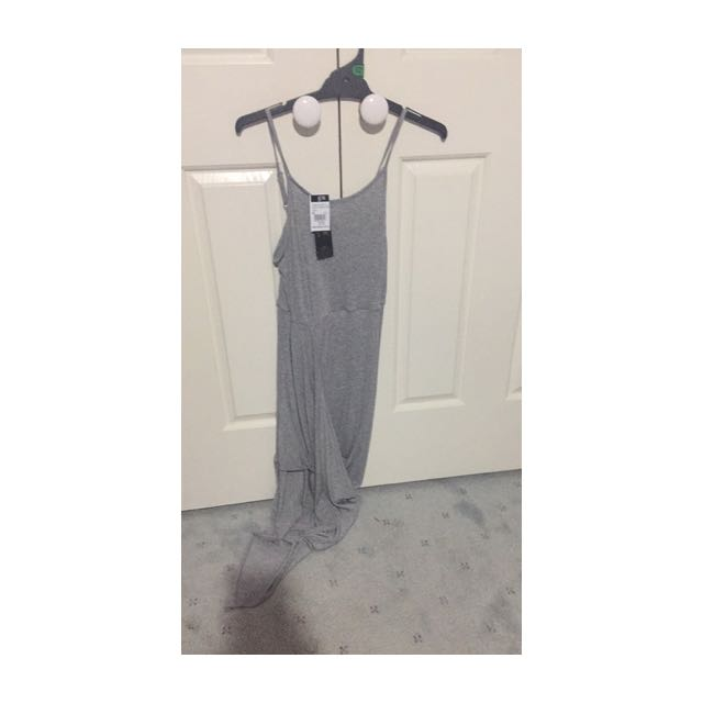 BNWT SIZE MEDIUM GREY LONG DRESS ICE