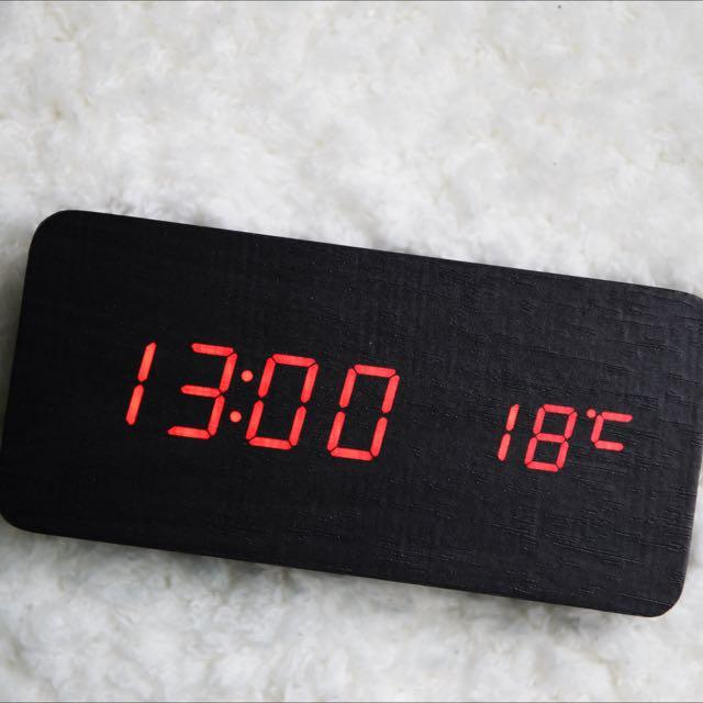 木質智慧LED時鐘 年份🗓+時間🕓+溫度🌡都能顯示 把大自然的氣息帶回家🍃