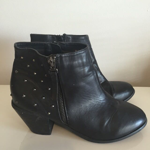 Shubar Black Leather Size 39 Ankle Boots