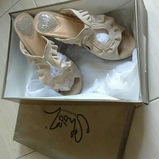 Shooz, Ivory, Frill Heels, Size36
