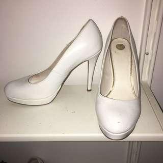 White Zu Heels