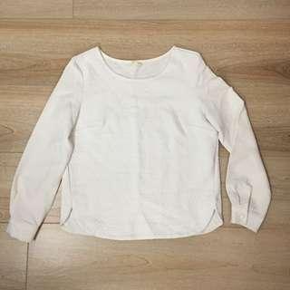 白色暗花衫及淺米啡衫 ( 兩件)