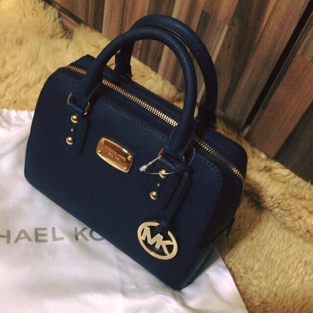 cc673178ce7593 ... coupon for authentic brand new with tag dustbag michael kors saffiano  leather mini satchel crossbody navy