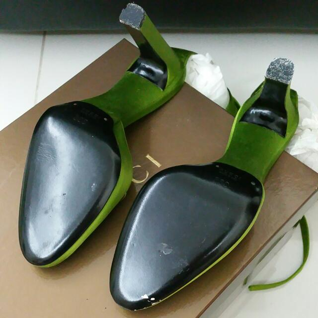 07eddaec5e6 Brand NEW Gucci Green Silk Heels