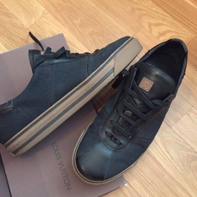 LOUIS VUITTON sneakers second hand