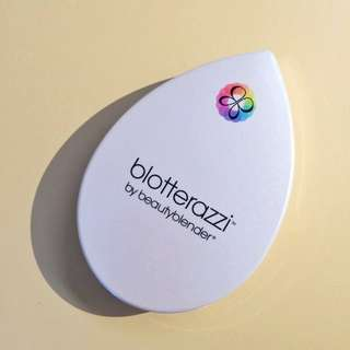 Blotterazzi by beauty blender mirrored compact with blotting sponges