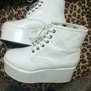 MJR 白色厚底鞋