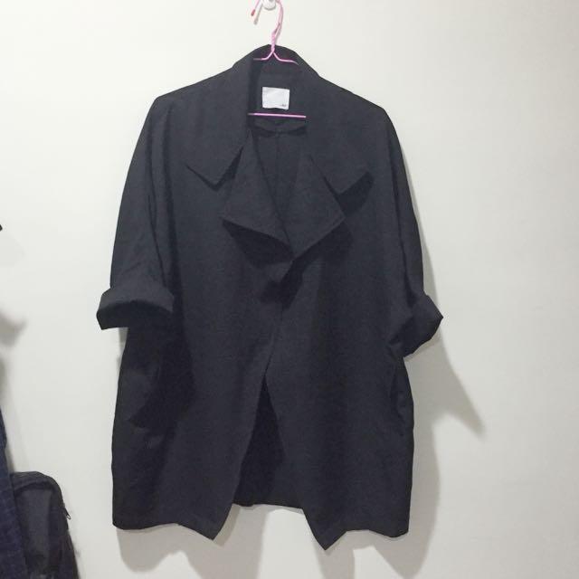 黑色薄七分袖大衣