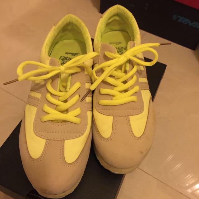 降價啦🎉螢光黃色休閒球鞋