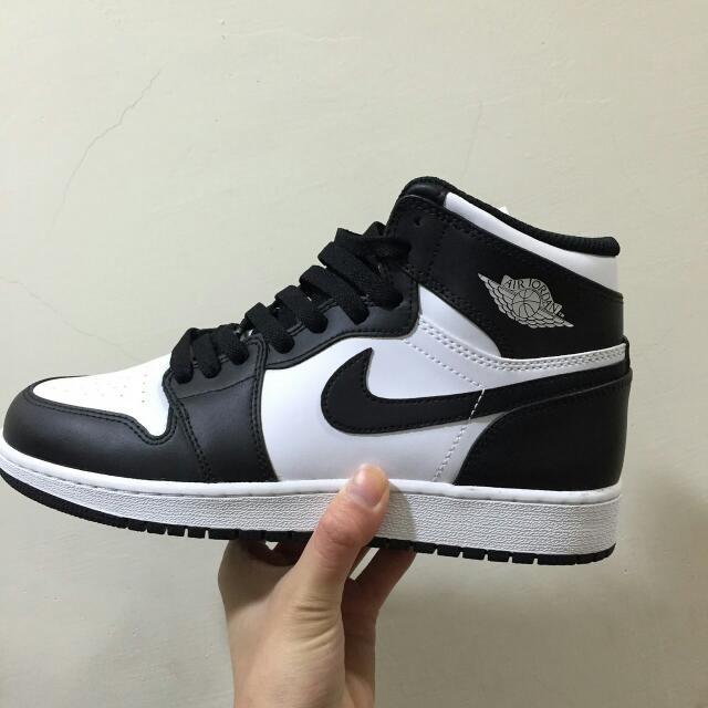 Air Jordan 1 Retro High Og Bg 黑白 熊貓 OG 特殊 限量 大童 女孩 喬丹 籃球鞋 秒殺款 穿搭必備 575441-010 6.5Y 24.5 Cm。