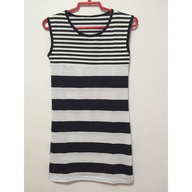 BW Grid Line Dress