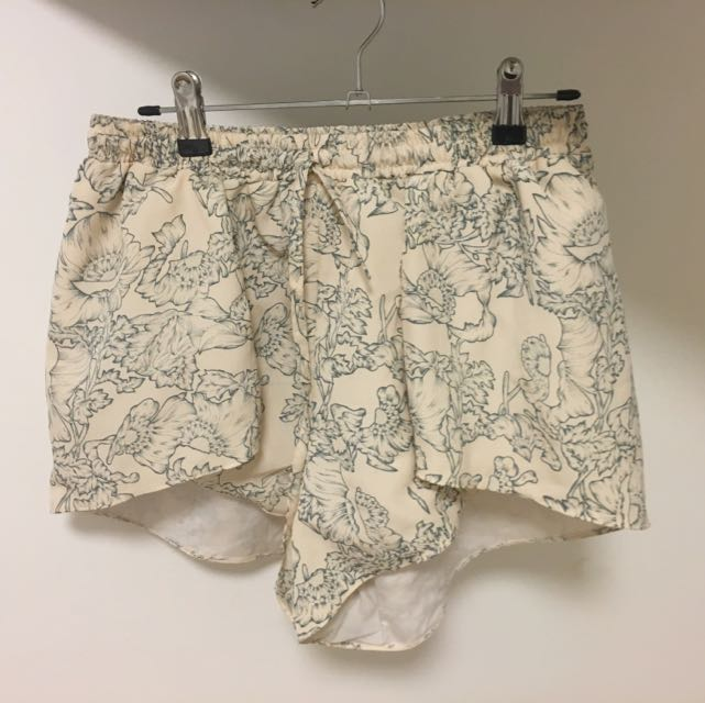 Cream Floral Shorts