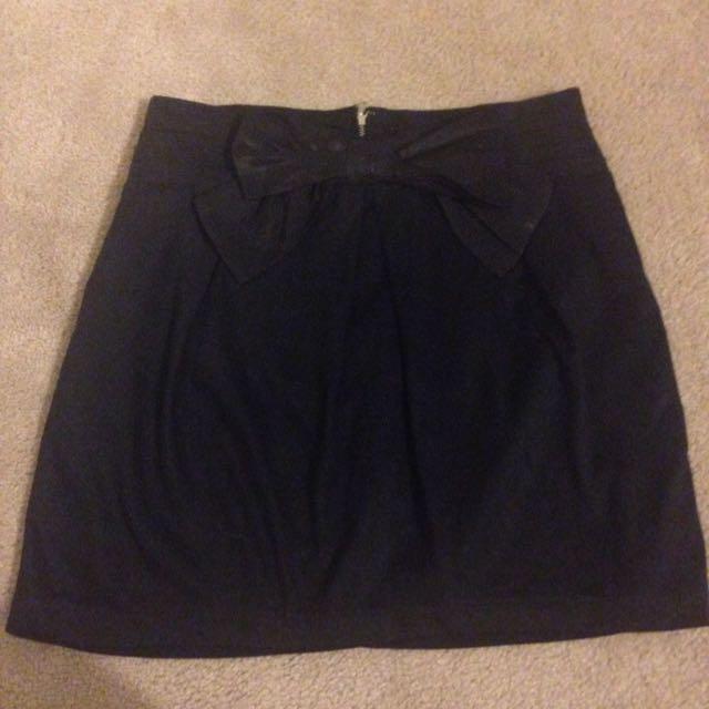 Forever 21 Black Skirt With Bow