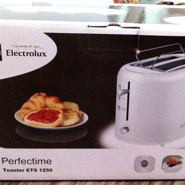 (NEW) Electrolux Toaster ETS 1250