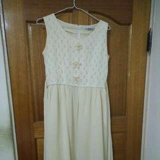 米色雪紡洋裝
