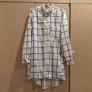 白色格子長版上衣