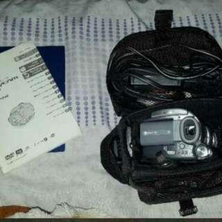 Sony HandyCam DCR-DVD405 DVD Hybrid Camcorder