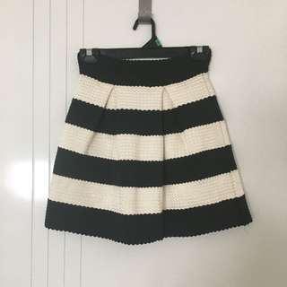 Black And White Skirt Size 8
