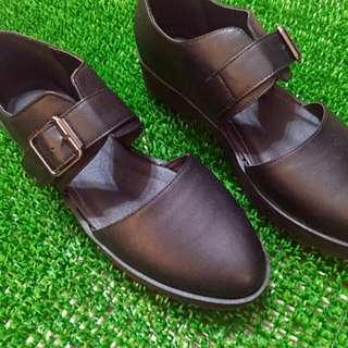 (含運)英國購入鏤空皮鞋