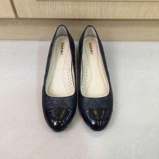 Kakiki黑色菱格小香風粗跟 低跟鞋