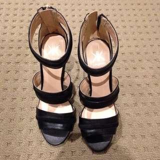 Kardashian Kollection™ Heels Black Size 7