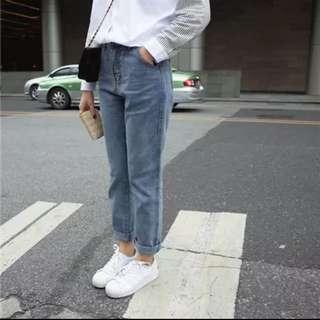 水洗淺色寬鬆牛仔褲(M)