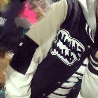 (降)💕二手黑色保暖連帽皮袖棒球外套