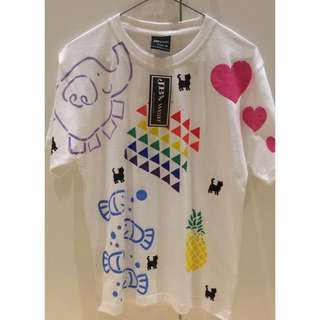 White T-shirt With Assorted Pictures