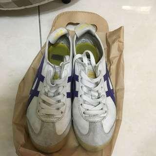 2手 白布鞋