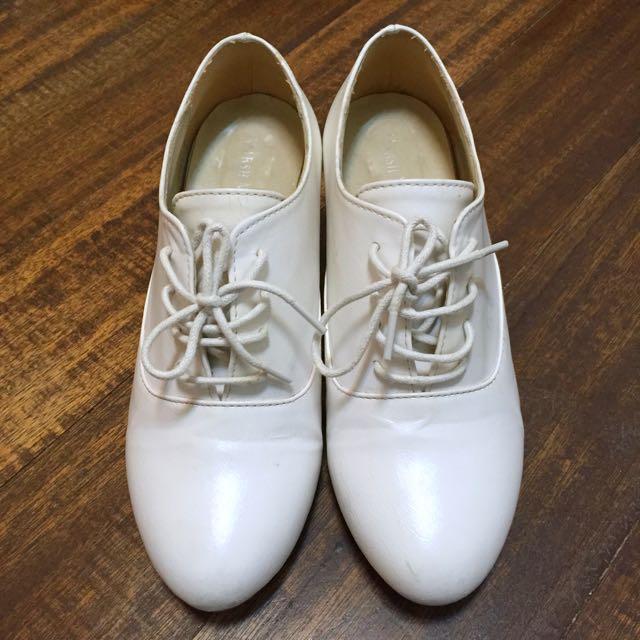 正韓粗跟白鞋