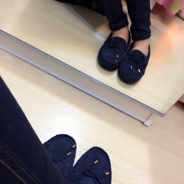質感深藍荳荳鞋 拍照上傳僅試穿❤️